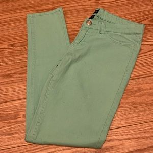 Rue21 NWOT green colored skinny jeans